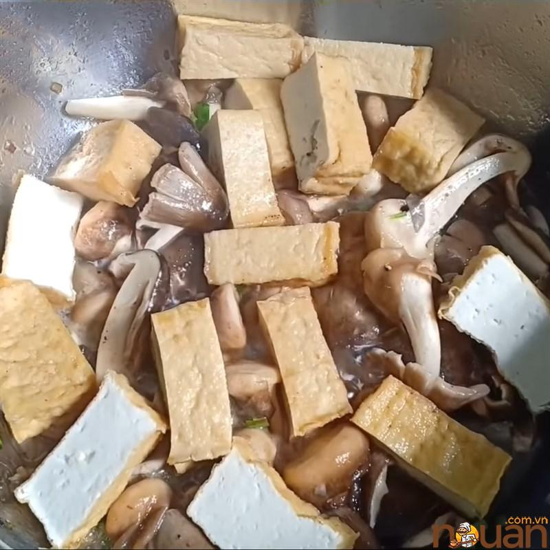 Bước 4 Kho nấm và đậu hũ Nấm rơm kho đậu hũ